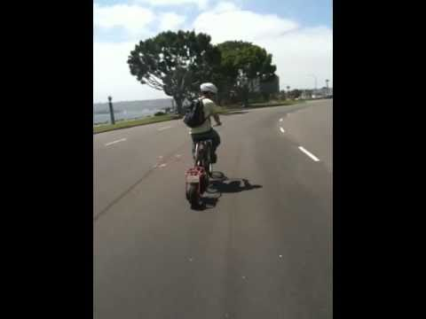 Motorized bike trailer pushes  bike 35 mph