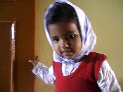 Jiya Singing Chanda Mama goor k