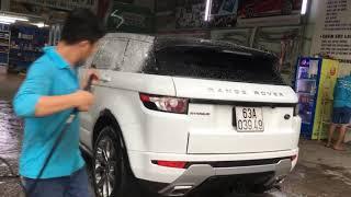 Rửa xe chăm sóc xe quân 2