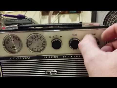 1960's LLOYDS TF-311 AM/FM/SW 10 TRANSISTOR RADIO