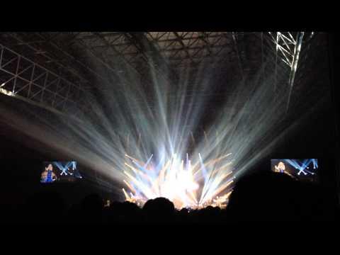Mariah Carey Tokyo 2014 - Hero The Elusive chanteuse show