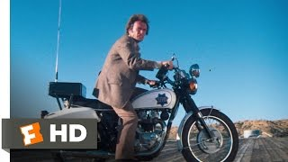 Magnum Force (9/10) Movie CLIP - Motorcycle Escape (1973) HD