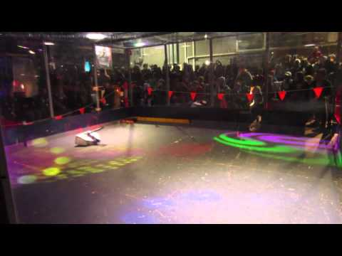 Robowars Vivid Sydney 2015 - Kojack vs Citizen Flips - Semi Final