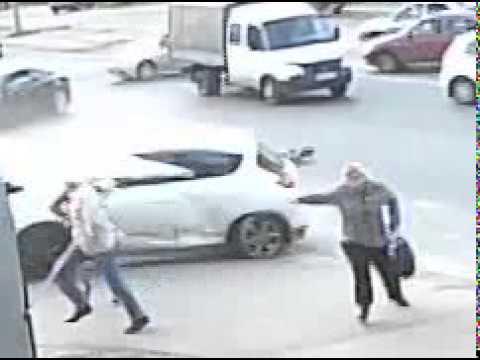 ДТП в Дзержинске 10.09.14. Самоспасение пешеходов.