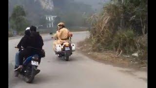 traffic police chase viet nam