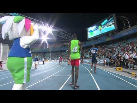 Kirani James snatches victory in the Men&#039;s 400m Final