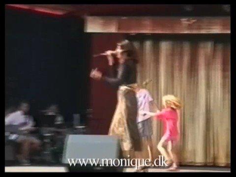 Monique: Min Kat Den Danser Tango
