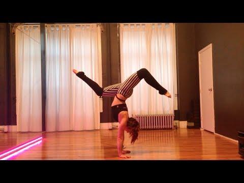 Стойка на руках с Rebecca Starr - обучающее видео