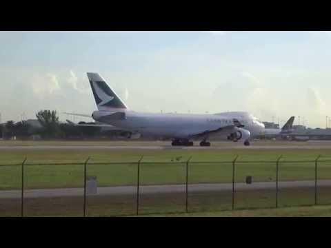 Cathay Pacific Cargo B-747-467F(ER) Take-Off