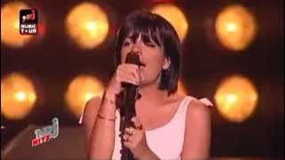 Lily Allen- Fuck You ( Live in HQ )