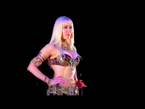 Belly Dance How to: Triplet Steps with Hip Accents Move - Belly Dancing - with Neon