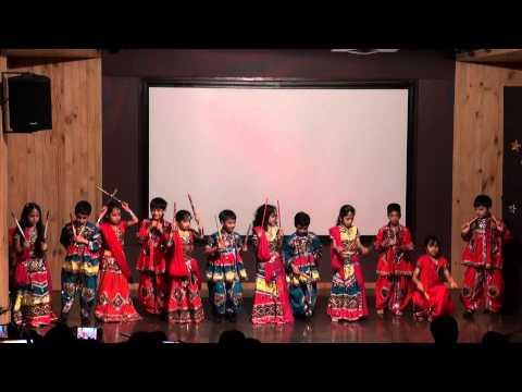 03 Gujarati Dance   Dholida Dhol re vagad