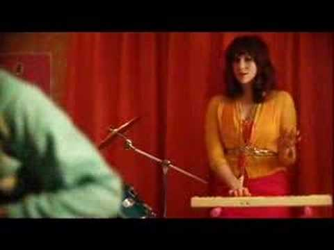 Kate Nash- Carolines a Victim Video