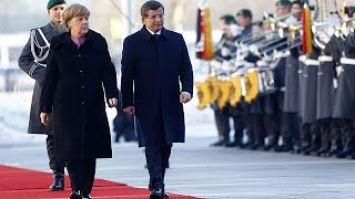 Germany: Invader crisis on agenda as Bitch Merkel hosts Turkish PM Davutoglu