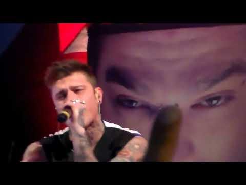 FEDEZ Live Napoli ( HD )... Psichedelico, Dai cazzo Federico, Polaroid ...