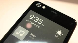 Hisense A2 - новый смартфон с дополнительным E-ink дисплеем на задней панели