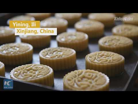 Mooncake makers bake into old age to retain 18-year-old flavor