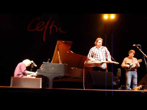 Bruce Hornsby, Jerry Douglas and Tim O'Brien - 'I Can't Make You Love Me' (2012)