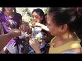 Disfrutando de los manguitos tiernos con sal. Cortando mangos tiernos. Parte 47 -