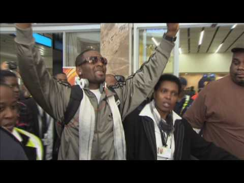 R. Kelly Arrives In South Africa
