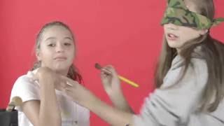 download lagu Blindfolded Makeup Challenge  My Sister Maddie - Part gratis