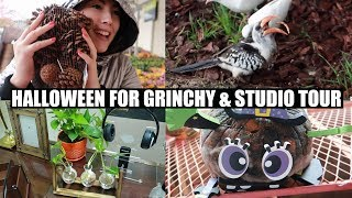 Studio Tour and HALLOWEEN FOR GRINCHY! | EMZOTIC