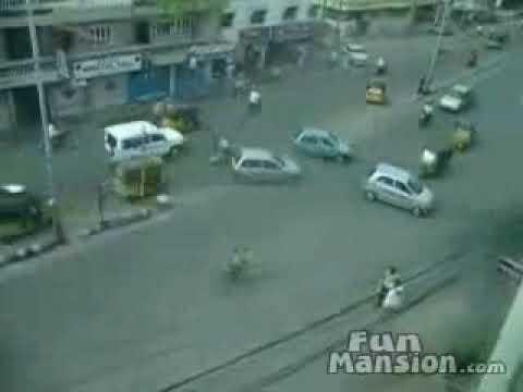 Saobraćaj u Indiji bez semafora