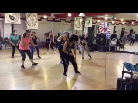 Bailar - Deorro  ( Feat. Pitbull & Elvis Crespo)