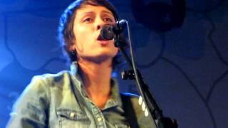 4/23 Tegan & Sara - Speak Slow @ Manchester Academy, England 11/14/09