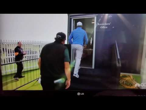 Phil Mickelson misses 62 at the British Open