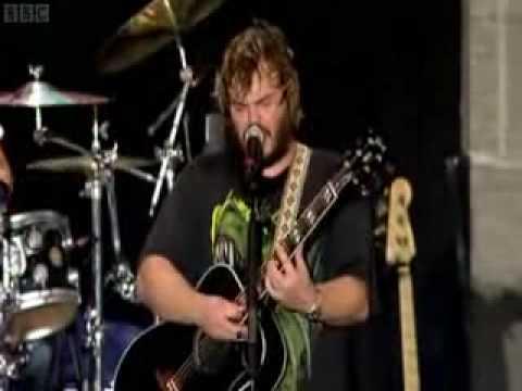 Tenacious D - Who Medley [live at Reading Festival, 2008]