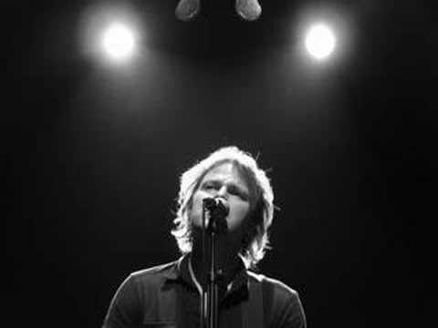 Tom Mcrae - The Boy With The Bubblegun
