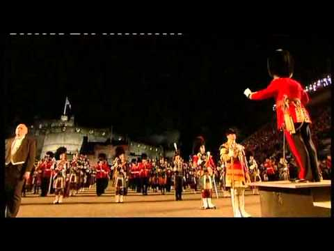 Edinburgh Military Tattoo 2010 - Lone Piper & Closing Scenes