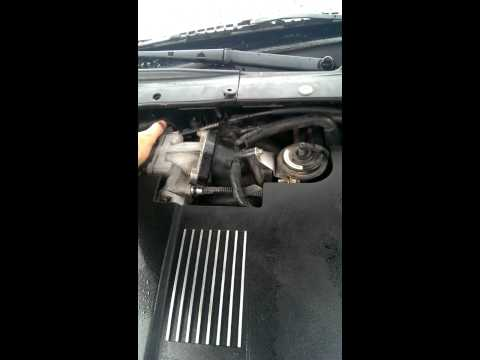 Lincoln ls engine knock/rattle