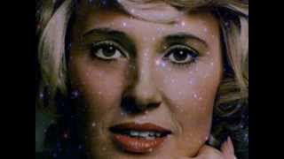 Watch Tammy Wynette Help Me Make It Through The Night video