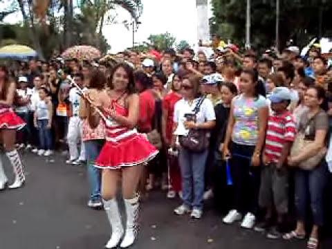 Cachiporristas en desfiles civicos