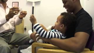 Մանկական բժիշկն ապշեցնում է իր կաբինետում