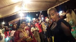 Ndéye Gueye met le feu au mariage de Thiama au Cite Gadaye