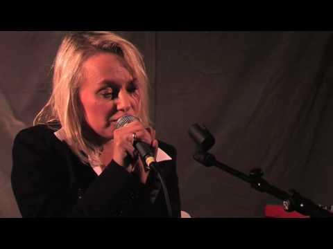 Louise Hoffsten sjunger På andra sidan Vättern