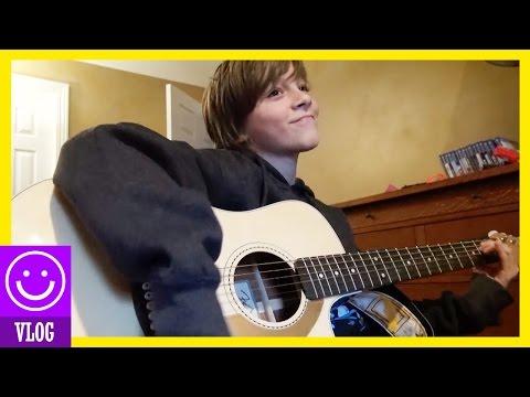 PLAY US A SONG JONAH!  |  KITTIESMAMA 25