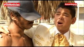 Niño mariachi encuentra a su padre habitante de calle y le ofrece una serenata