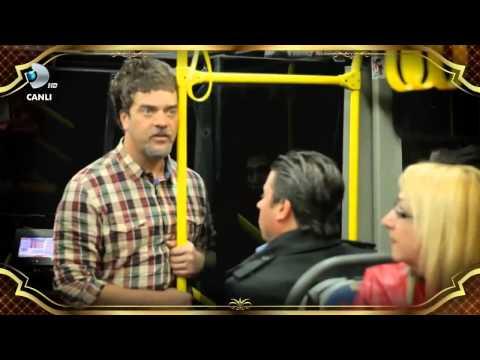 Şarkılarla Yaşayan Adam Otobüste [HD]