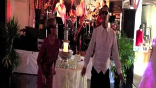 Best mother-son wedding dance!