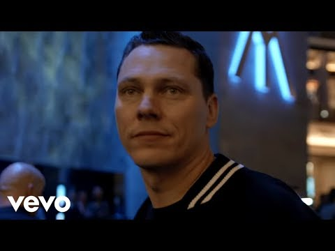 Tiësto - Red Lights klip izle