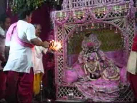 Radha Krishna Gulab Dol Maha Aarti.wmv