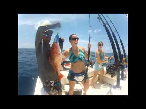 Ladies on Contender 27 Open Texas Red Snapper Fishing Snapper Slappers Freeport / Surfside Beach