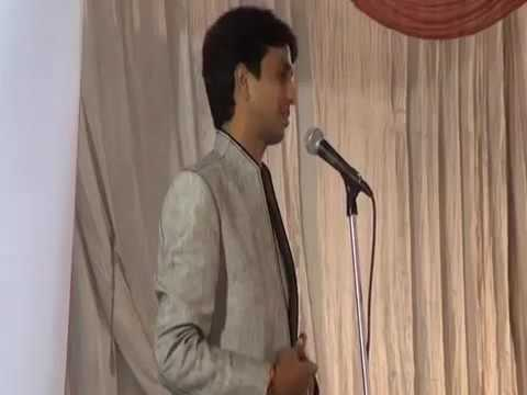 kumar vishwas reciting Mahabharat Poem on Karna