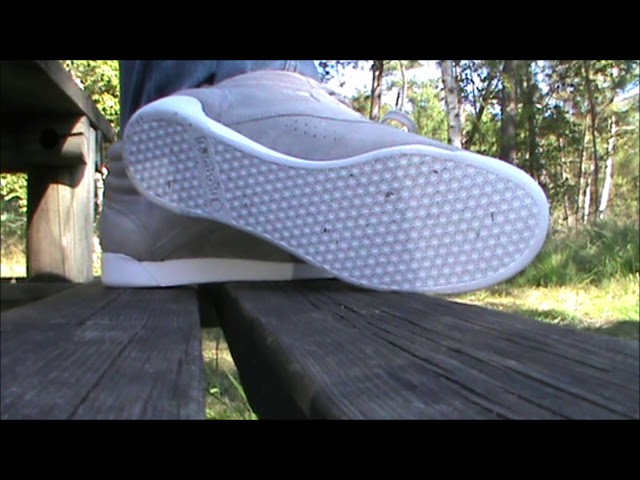 My new grey Reebok Freestyle preview