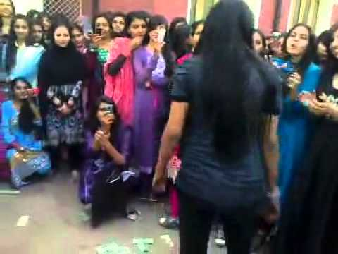 Pakistani Coleg Girl Dance 2012 video