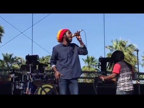 Chronixx - Smile Jamaica (Live at COACHELLA 2016)